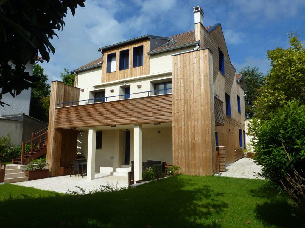 Photo APRÈS de la façade de la maison vue du jardin