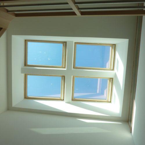 Photo d'un puit de lumière construite dans l'extension d'une maison