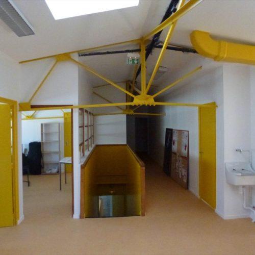 Bureaux-interieur-batiment-professionnel-a-Paris